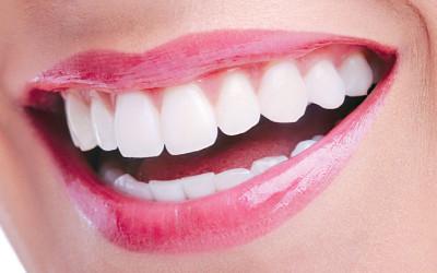 Dez passos para ter a saúde bucal impecável em 2015